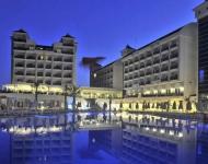 lake and river hotel 02