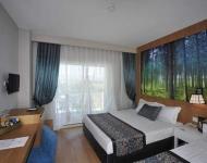 lake and river hotel 03