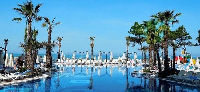 Tik nuo 496 € už 5* poilsį ALBANIJOJE, GRAND BLUE FAFA viešbutyje su AI