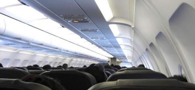 Baimė skristi lėktuvu – ką daryti?