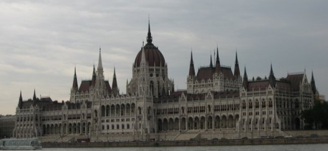 Vengrijos parlamentas Budapešte – nepriklausomybės simbolis