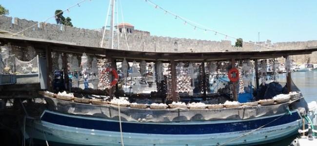 Poilsis Graikijos salose: ar turistai pasipelnys iš krizės?