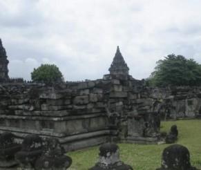 Kelionė į Indoneziją. Prambananas – gražiausia induistų šventykla pasaulyje