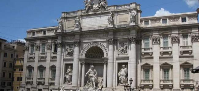 Stebuklingas Trevi fontanas Romoje