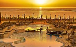 MARSA ALAMAS: 7 n. Royal Tulip Beach Resort 5* viešbutyje su viskas įskaičiuota tik nuo 384 €