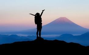 Slidinėjimas ir Alpinizmas: aktyvios pramogos, reikalaujančios pasiruošimo