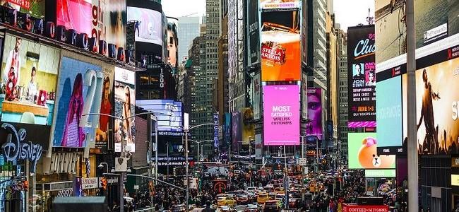 """Žvilgsnis į Niujorką: Taimso aikštė, Rokfelerių centras ir garsusis """"Empire State"""" dangoraižis"""