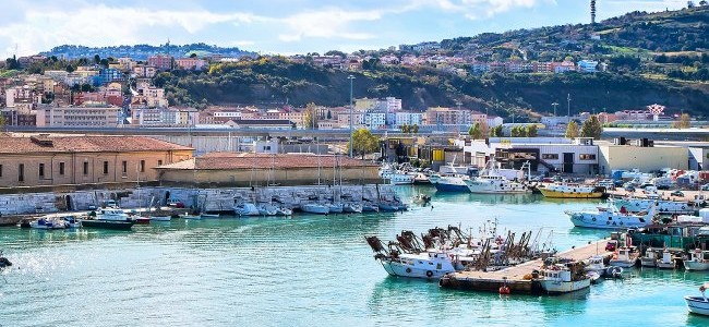 Italijos Markė: nuo poilsio paplūdimyje iki aktyvaus pažinimo