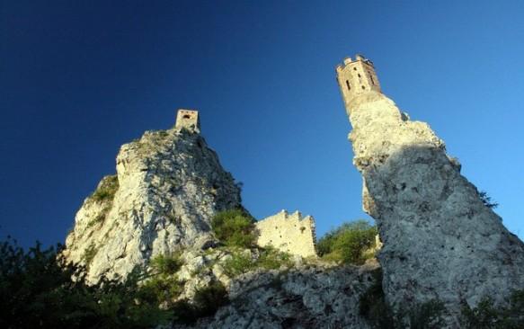 Devino pilis Slovakijoje: viena iš trijų istoriškai seniausių