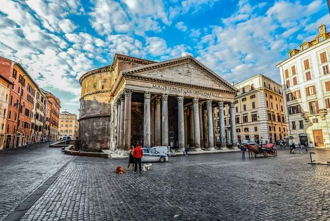 romos panteonas